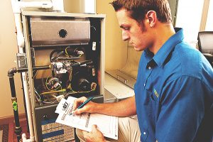 Field Service Tech gathers #HVAC system data